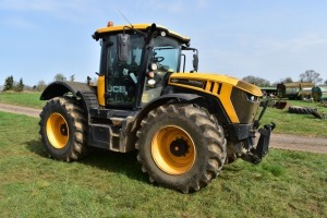 A F Alcock & Son - Auction sale of agricultural tractors, telescopic loader, implements and machinery at Scaldwell, Northampton