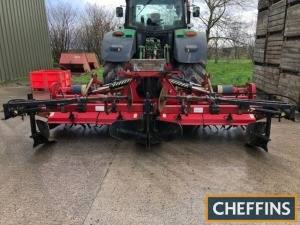 2007 George Moate two bed hydraulic folding bed tiller c/w straight hardened blades, rear ridging bodies, intake discs, hydraulic disc markers, wheel eradicator tines, rear depth wheels, supplied with bedforming hoods Serial No. 79307 Location: South Peth