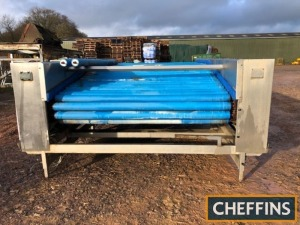 Herbert Vision Autosort roller grader, currently being used as fixed roller table, 12ft long (15ft overall) 9ft wide, height approx 4ft (adjustable), 3phase Location: South Petherton