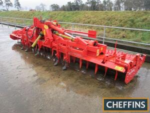 Kuhn HR6003DR hydraulic folding power harrow fitted with Maxi packer roller, clod bar and wheel eradicators. Reconditioned by Andrew Guest and unused since