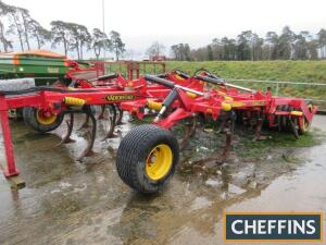 2011 Vaderstad Cultus CS420 trailed hydraulic folding stubble cultivator fitted with springtines, discs and rubber packer roller, 4.2m Serial No. CS-11070