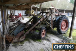 FORDSON Diesel Major 4cylinder diesel TRACTOR Fitted with front end loader and for spares or repair Serial No. 1286346