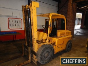 HYSTER diesel fixed mast FORKLIFT Fitted with pallet tines