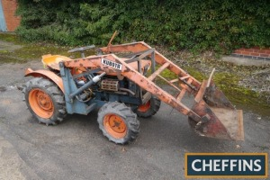 KUBOTA B6000 4wd diesel COMPACT TRACTOR Fitted with front loader and bucket, rear linkage and PTO