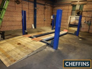4post vehicle lift - between posts, c3m wide x c4m long (purchaser to remove and supply method statement)