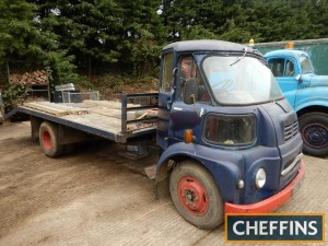 AUSTIN 550FG BEAVERTAIL FLATBED LORRY HPI checks show an active registration number, but no documentation is available Reg. No. RNV 780 Serial No. 32429