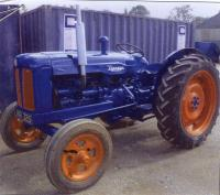 1953 FORDSON Major E1A 4 cylinder diesel TRACTOR Reg. No. JNR 325 Serial No. 1250488 Stated to have been completely restored and painted just 2 years ago with many new parts inc; brakes, cables, axle oil seals, water pump, steps, gauges and new nose cone.