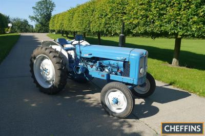 1963 FORDSON Super Major 5cylinder diesel TRACTOR Reg. No. LCL 179A Serial No. 5938534 Fitted with air cooled Deutz F5L912 diesel engine, side belt pulley, rear linkage and swinging drawbar on 12.4/11-36 rear and 6.00-10 front wheels and tyres. Tractor b