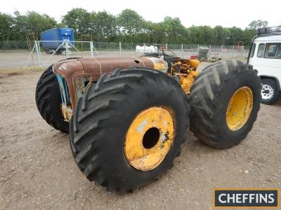 COUNTY Super-4 4cylinder diesel TRACTOR Fitted with 21.1-26 flotation wheels and tyres. No rear linkage