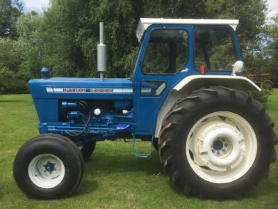 1974 FORD 5000 4cylinder diesel TRACTOR Reg. No. OCC 947M Serial No. 935331 Fitted with PAS, PUH, cab, rear wheel weights, rear linkage and drawbar. The vendor states that this 5000 has been restored to show condition. V5C available.