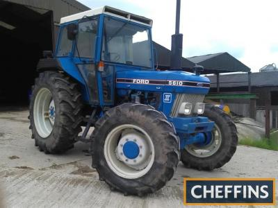 1989 FORD 5610 S.II diesel TRACTOR Reg. No. F230 ETH Serial No. BB90387 Fitted with an AP cab and showing just 3,284 hours on 16.9x34 rear 13.6x24 front wheels and tyres. No registration documentation is available but checks show an active registration nu