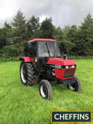 CASE INTERNATIONAL 1394 diesel TRACTOR Reg. No. C966 CTR Serial No. 11500918 Fitted with Hydra-Shift and reported to be in good ex-farm condition with V5 available