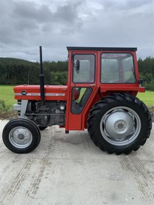 1972 MASSEY FERGUSON 135 3cylinder diesel TRACTOR Reg. No. WSE 247K Fitted with PAS, GC cab and Goodyear tyres all round. The vendor reports this 135 is in concours condition.