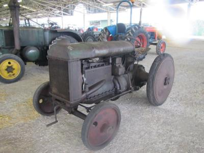 FORDSON Model F Industrial 4cylinder petrol TRACTORStated to be in original condition and fitted with solid rubber wheels and reconditioned magneto