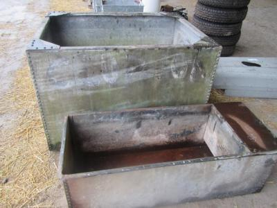 Galvanized riveted watertank/trough (2)